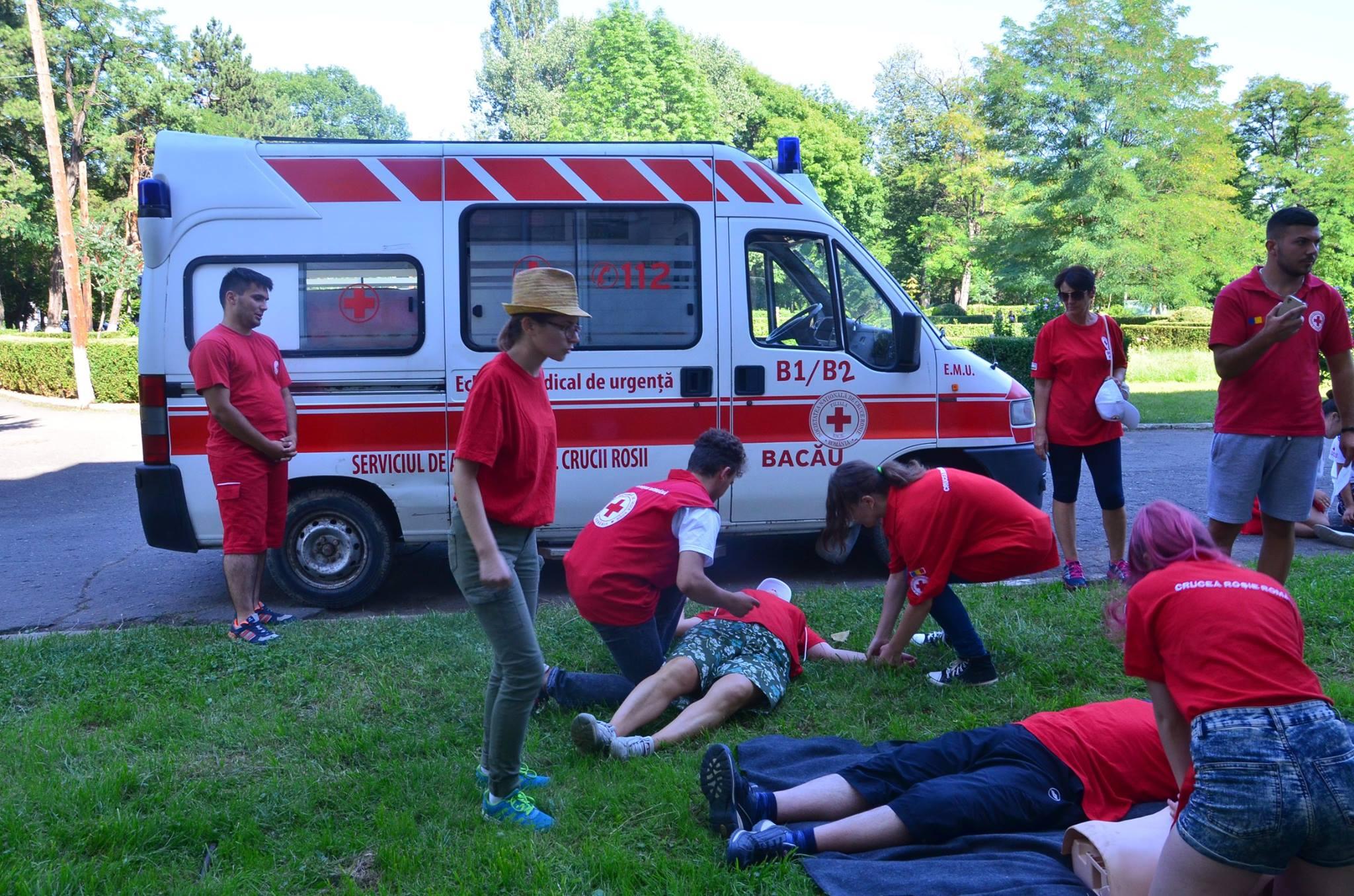 Crucea Roșie Bacău organizează cursuri de prim ajutor în caz de dezastre naturale