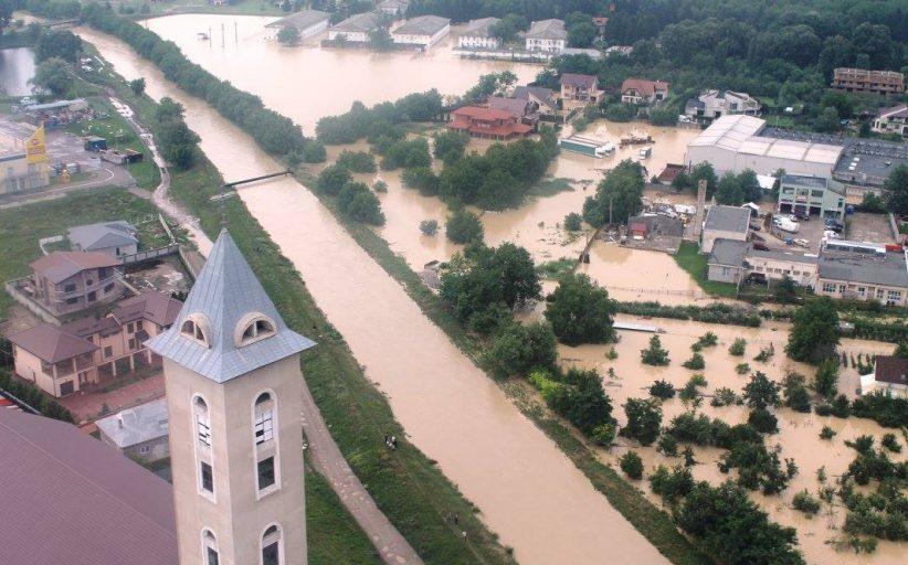 Prăpăd în județul Bacău în urma ploilor