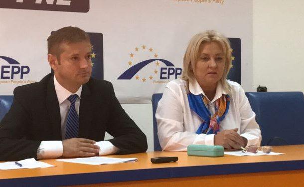 PNL cere demisia lui Cosmin Necula, care îngroapă Bacăul sub gunoaie