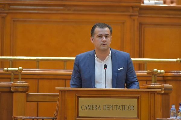 Lucian Stanciu-Viziteu: Claudiu Manda face turism pe bani publici și refuză să prezinte rapoarte scrise după vizitele externe