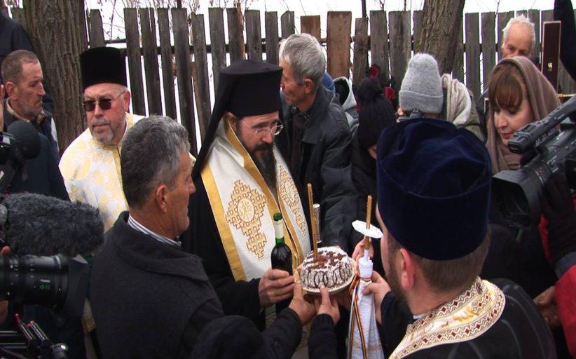 Sobor de preoți și ziariști la înmormântarea unui cerșetor băcăuan