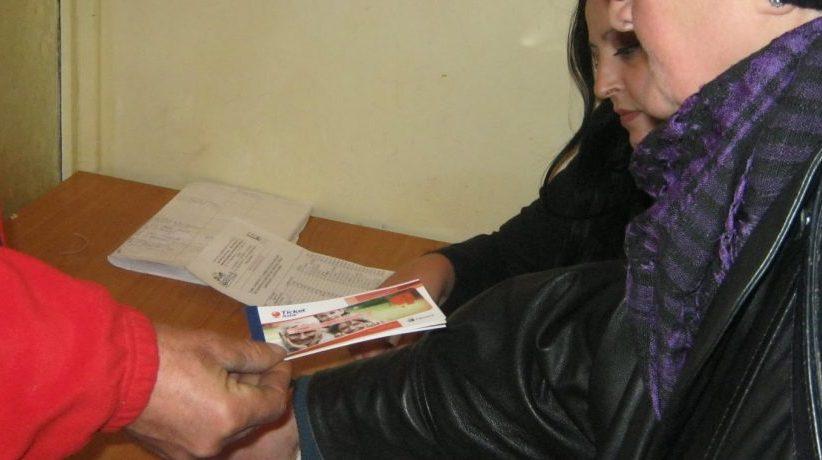Primăria Bacău a început distribuția tichetelor pentru pensionarii săraci